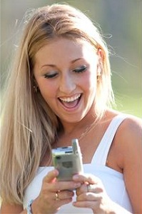 happy-woman-with-cell-phone