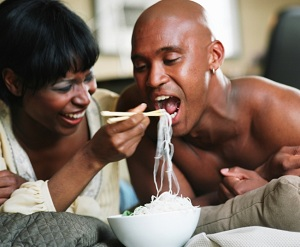 eating-couple-food-0114134