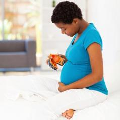 young african woman pregnancy