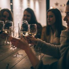 GoodTherapy | A Real Look at Mommy Wine Culture